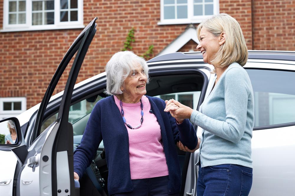 Auto met hoge instap voor senioren
