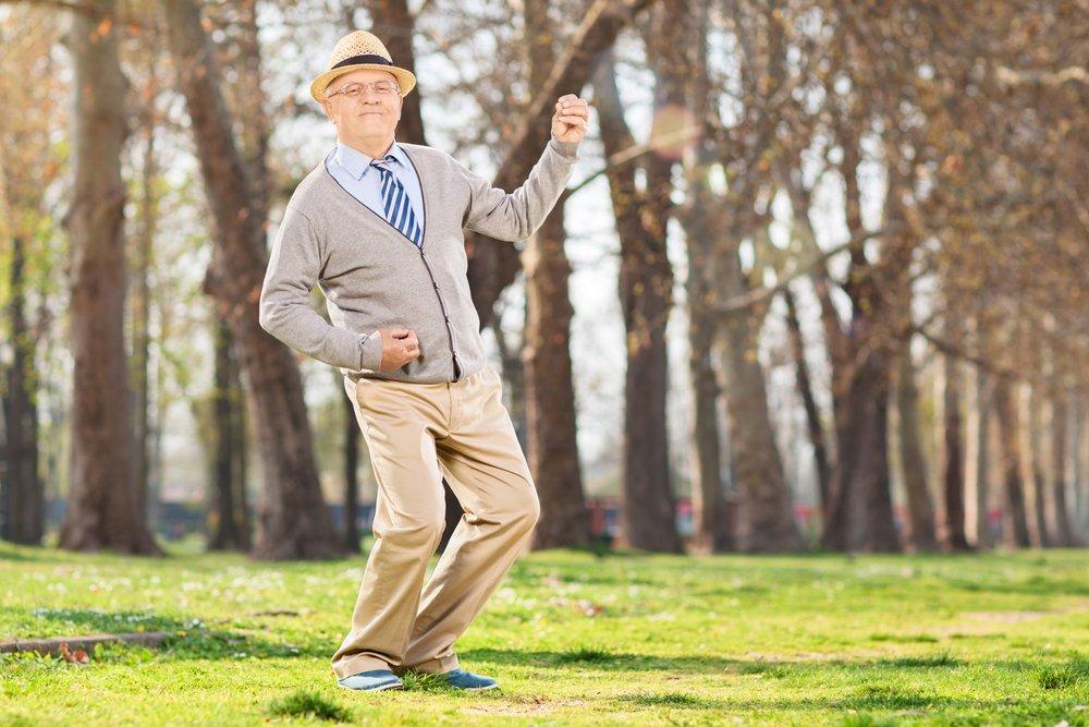 dansende oude man